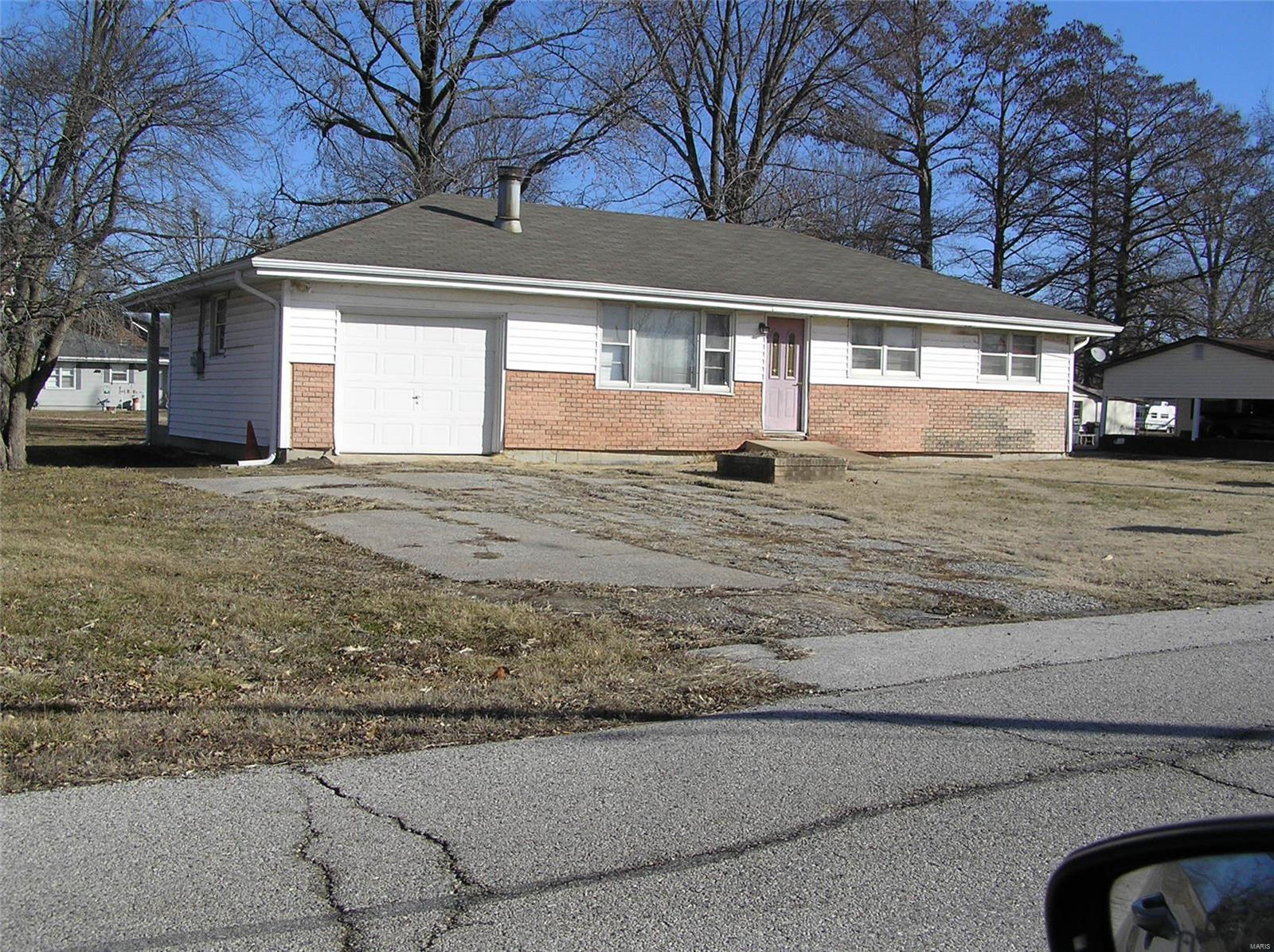 1520 Commonfield Property Photo - Portage Des Sioux, MO real estate listing