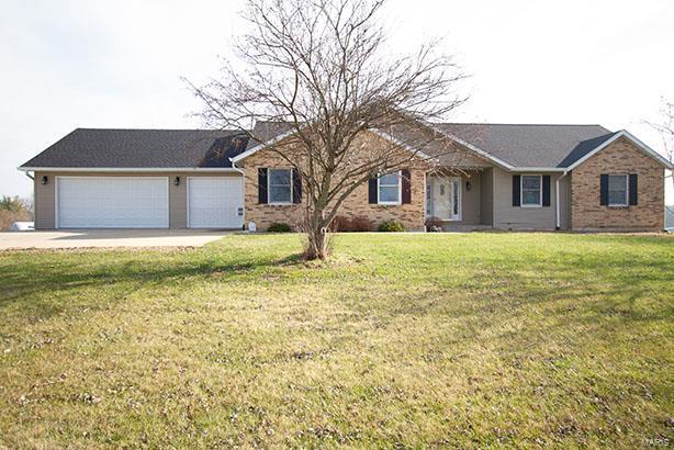 686 Rolling Meadows Drive Property Photo - Moscow Mills, MO real estate listing