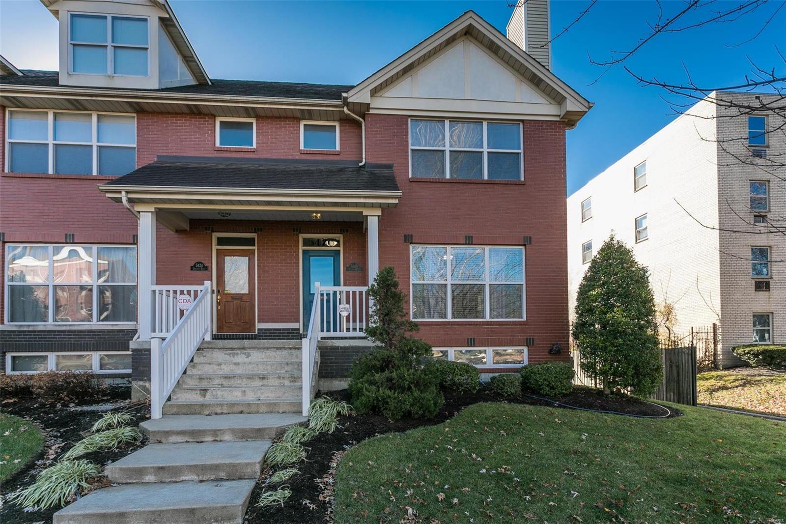 5426 Delmar Boulevard Property Photo - St Louis, MO real estate listing
