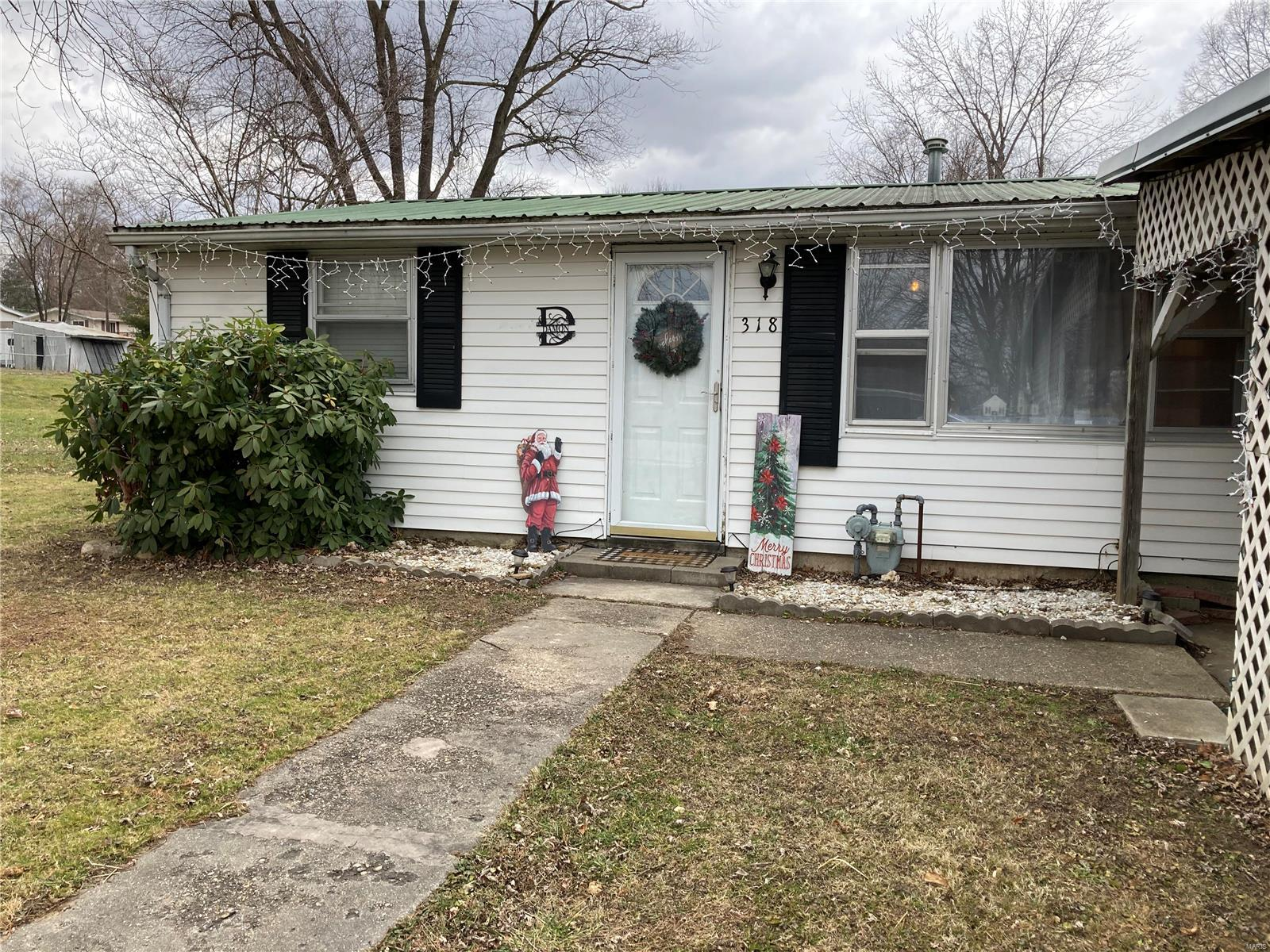 318 Spring Street Property Photo - Pittsfield, IL real estate listing