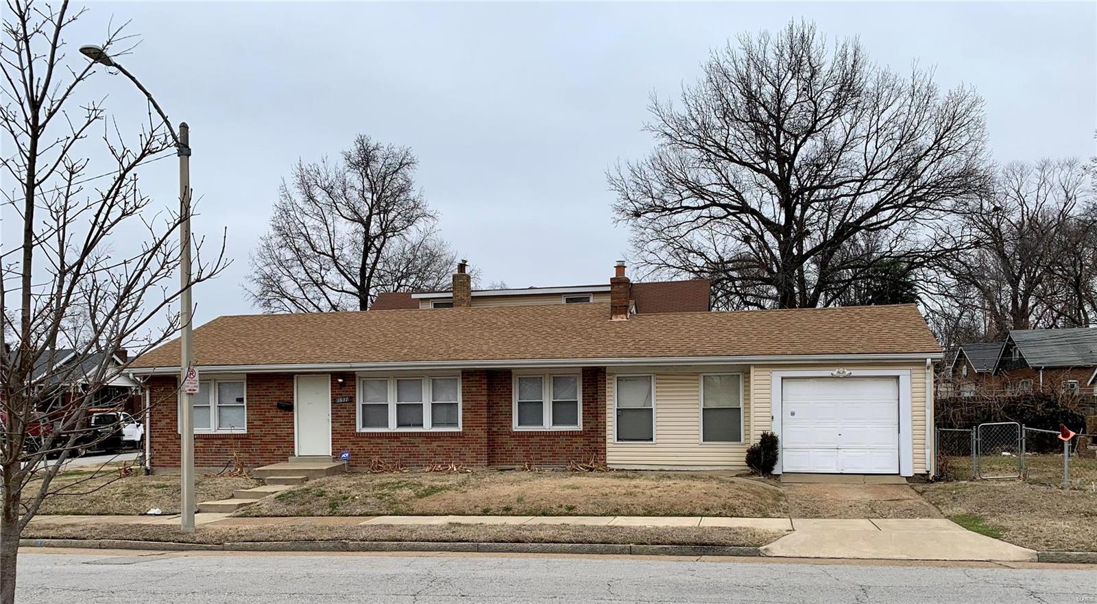 1827 Switzer Avenue Property Photo - St Louis, MO real estate listing