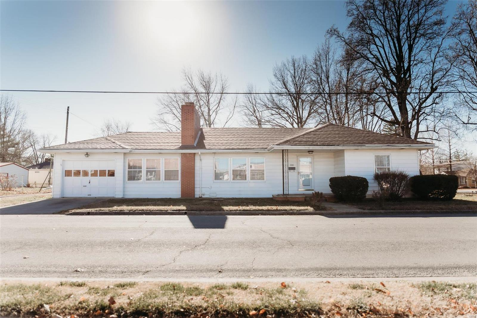 300 W Hood Avenue Property Photo - Sparta, IL real estate listing
