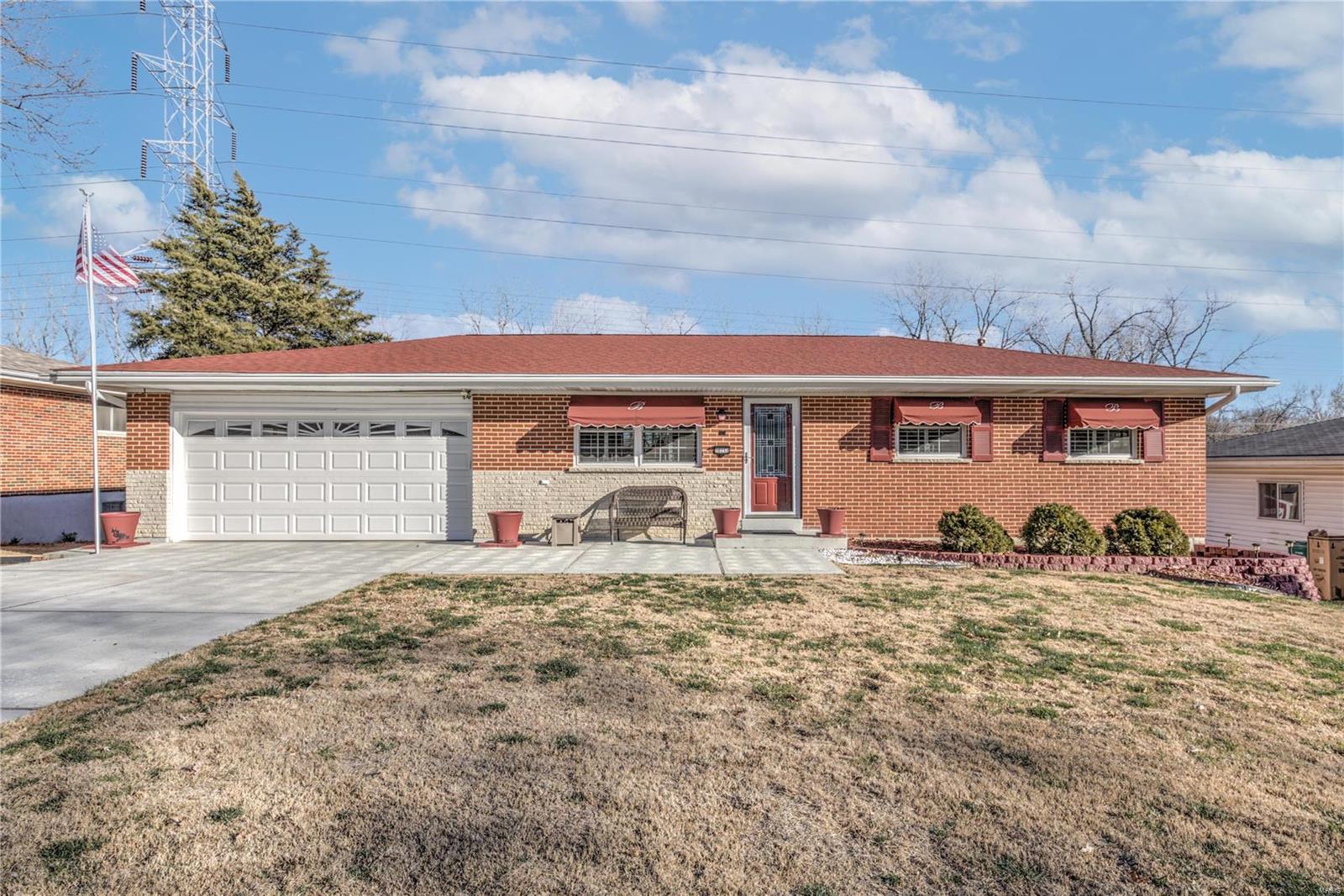 10132 Elba Property Photo - St Louis, MO real estate listing
