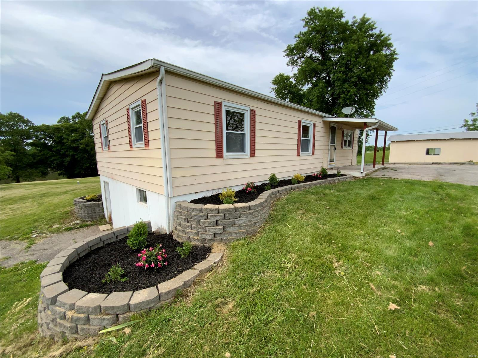 665 Highway Kk Property Photo - Troy, MO real estate listing