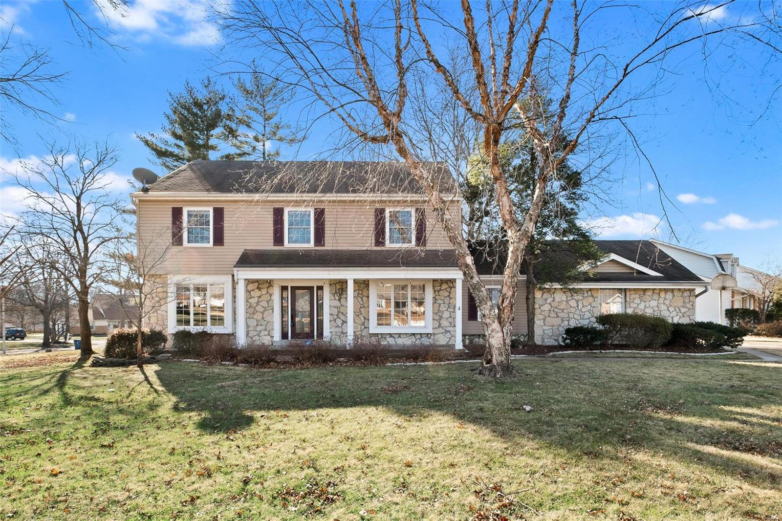 15514 Cedarmill Dr Property Photo - Chesterfield, MO real estate listing