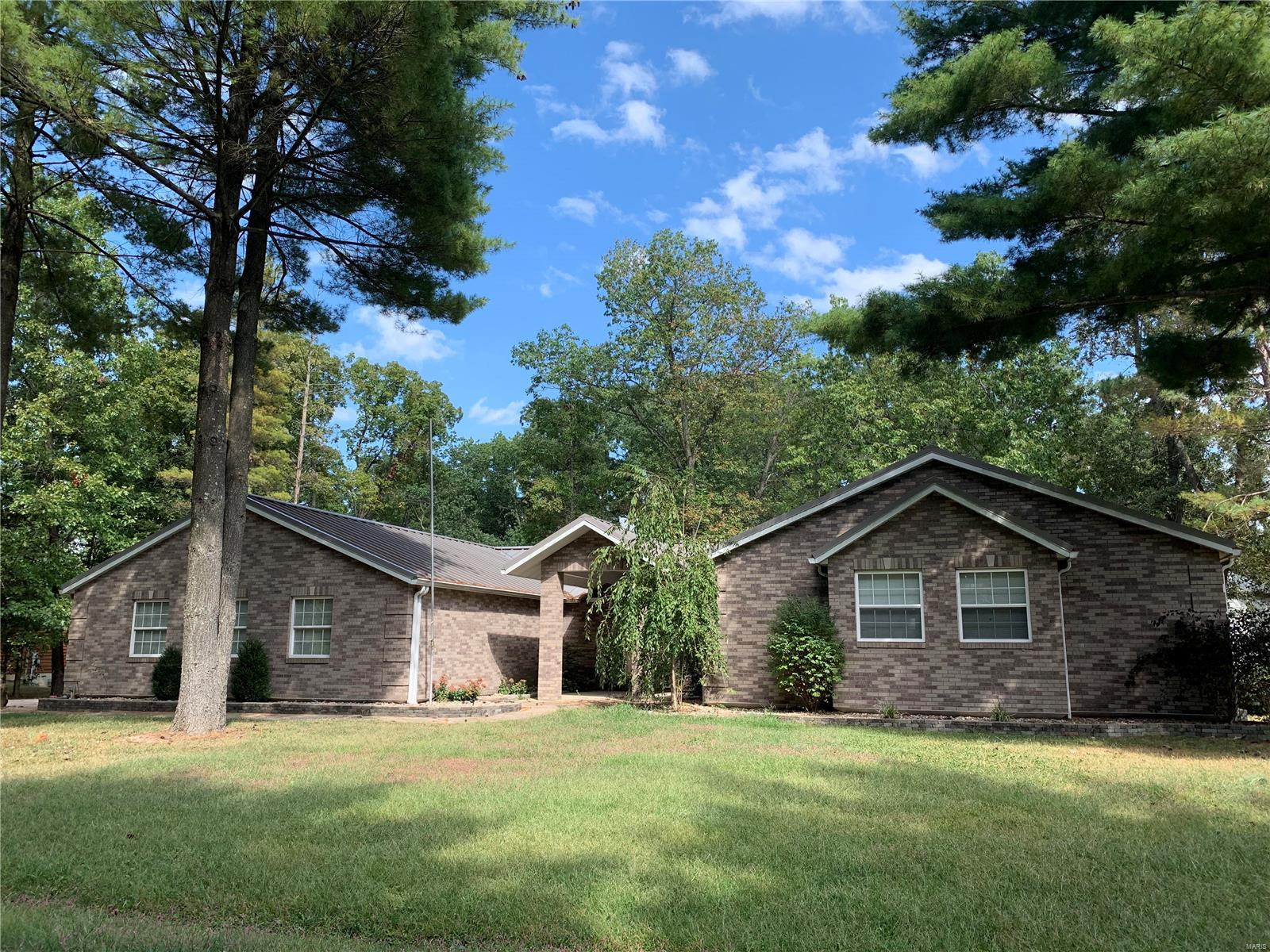 1330 Deer Creek Property Photo - Greenville, IL real estate listing
