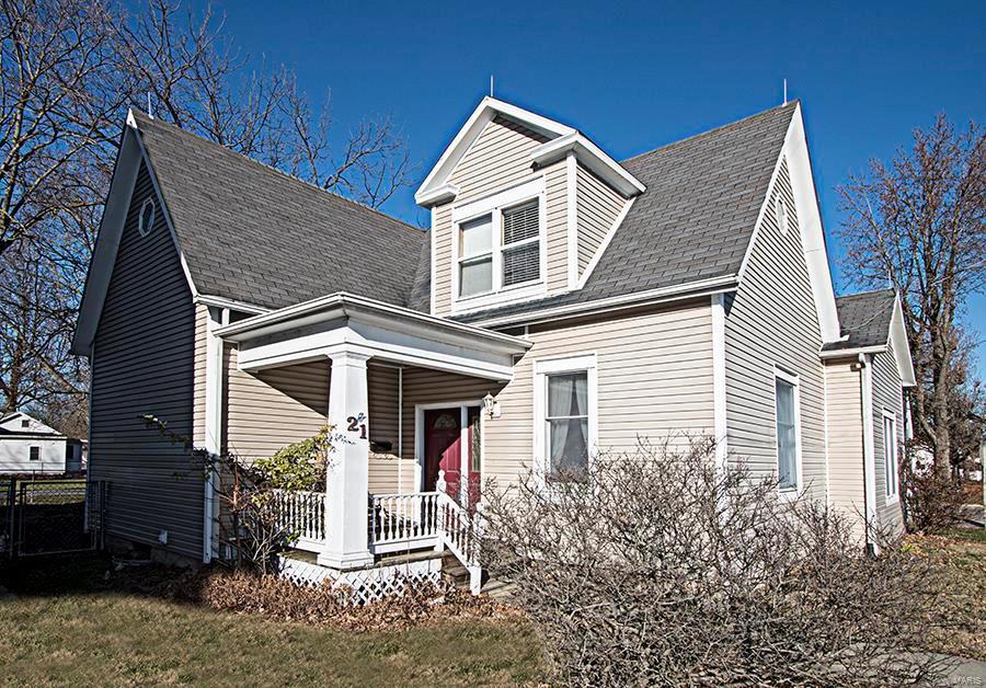 21 N Main Street Property Photo - Trenton, IL real estate listing