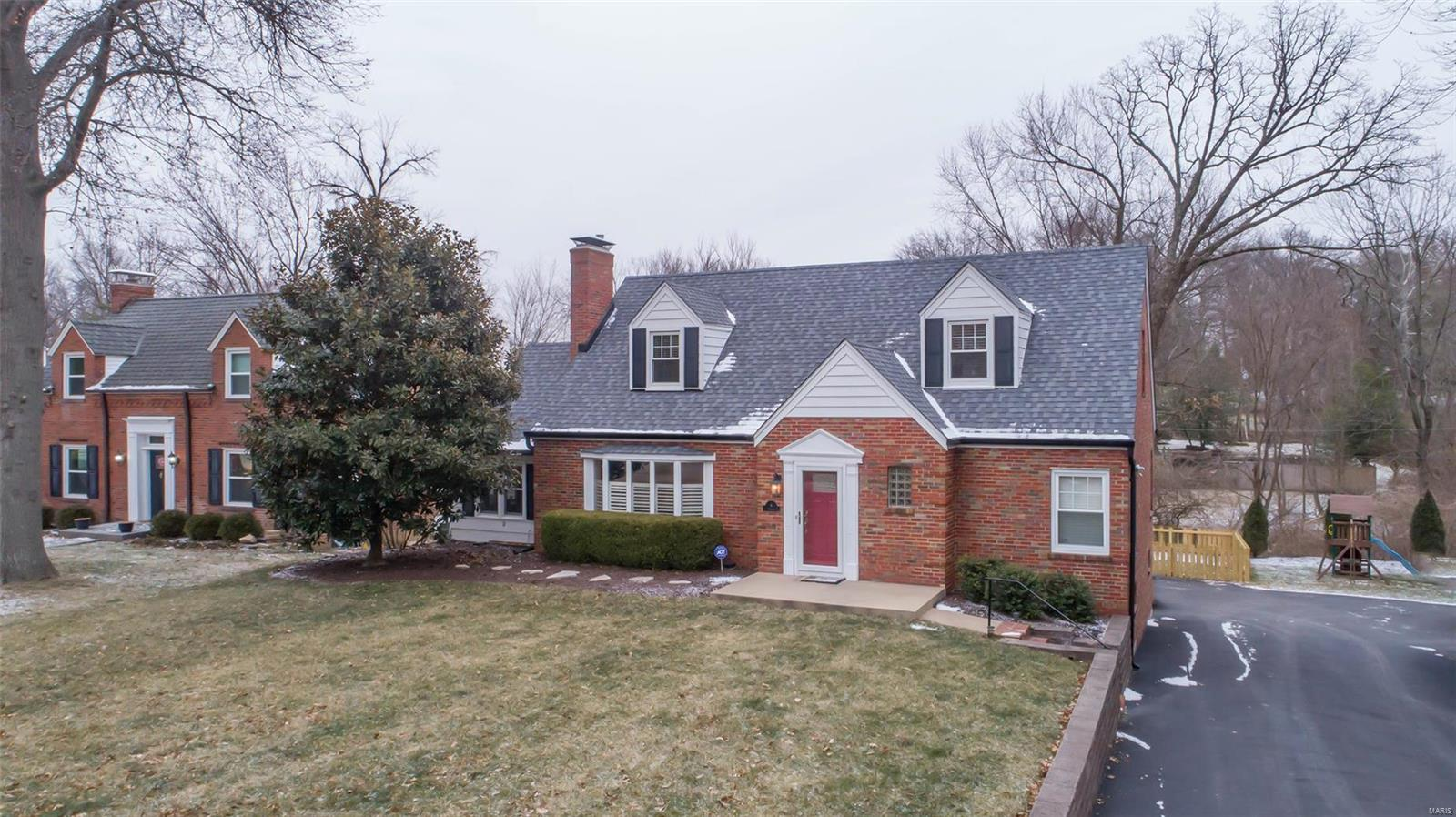 4 Enfield Road Property Photo - Olivette, MO real estate listing