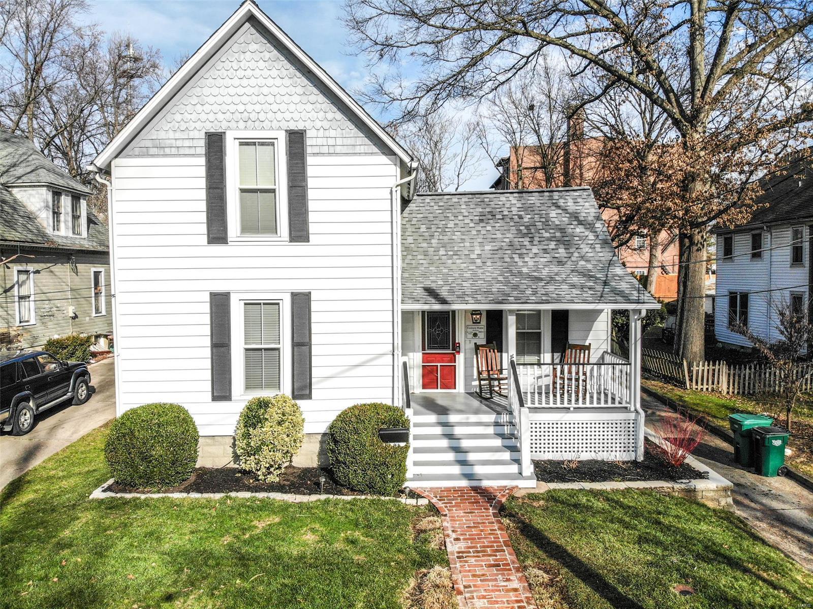 21 E Cedar Avenue Property Photo - Webster Groves, MO real estate listing
