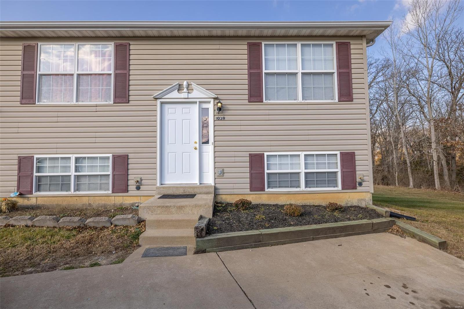 Arlington Condos Real Estate Listings Main Image