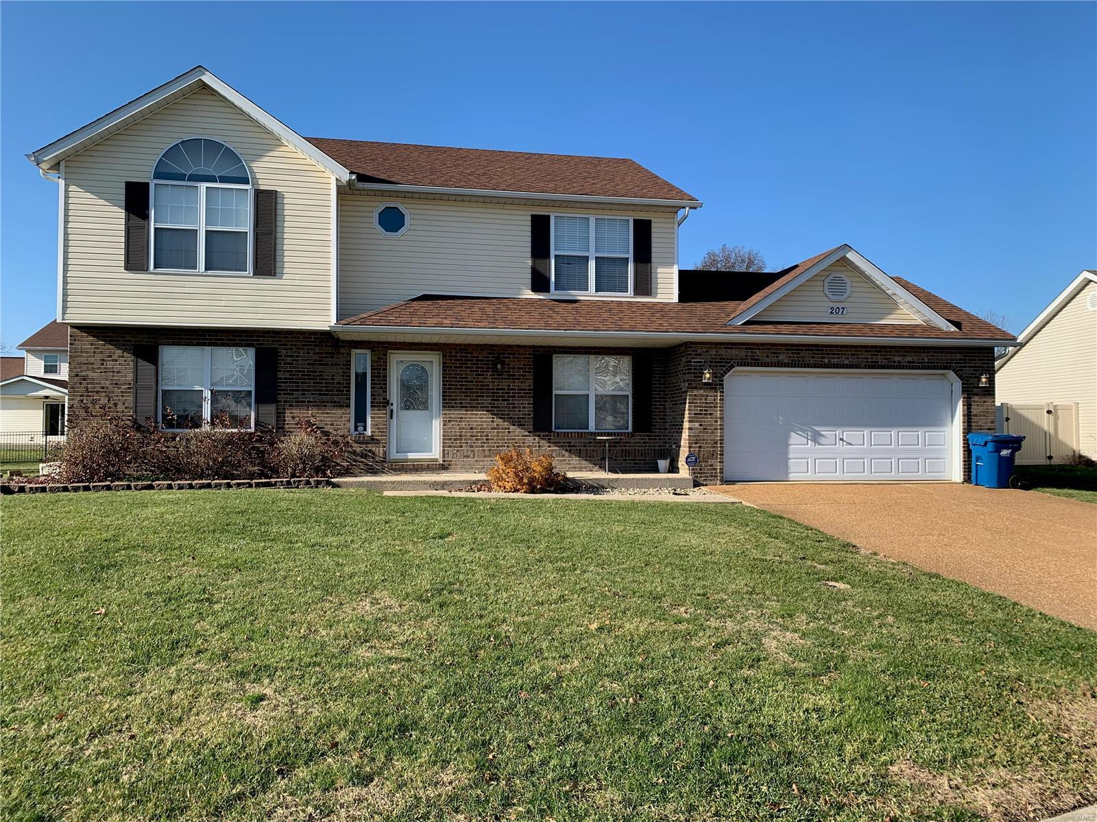 207 Joan Drive Property Photo - New Baden, IL real estate listing