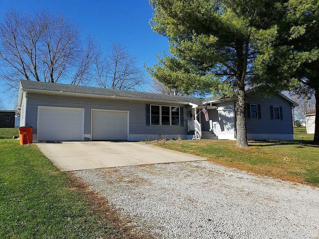 2103 Dana Drive Property Photo - Vandalia, IL real estate listing