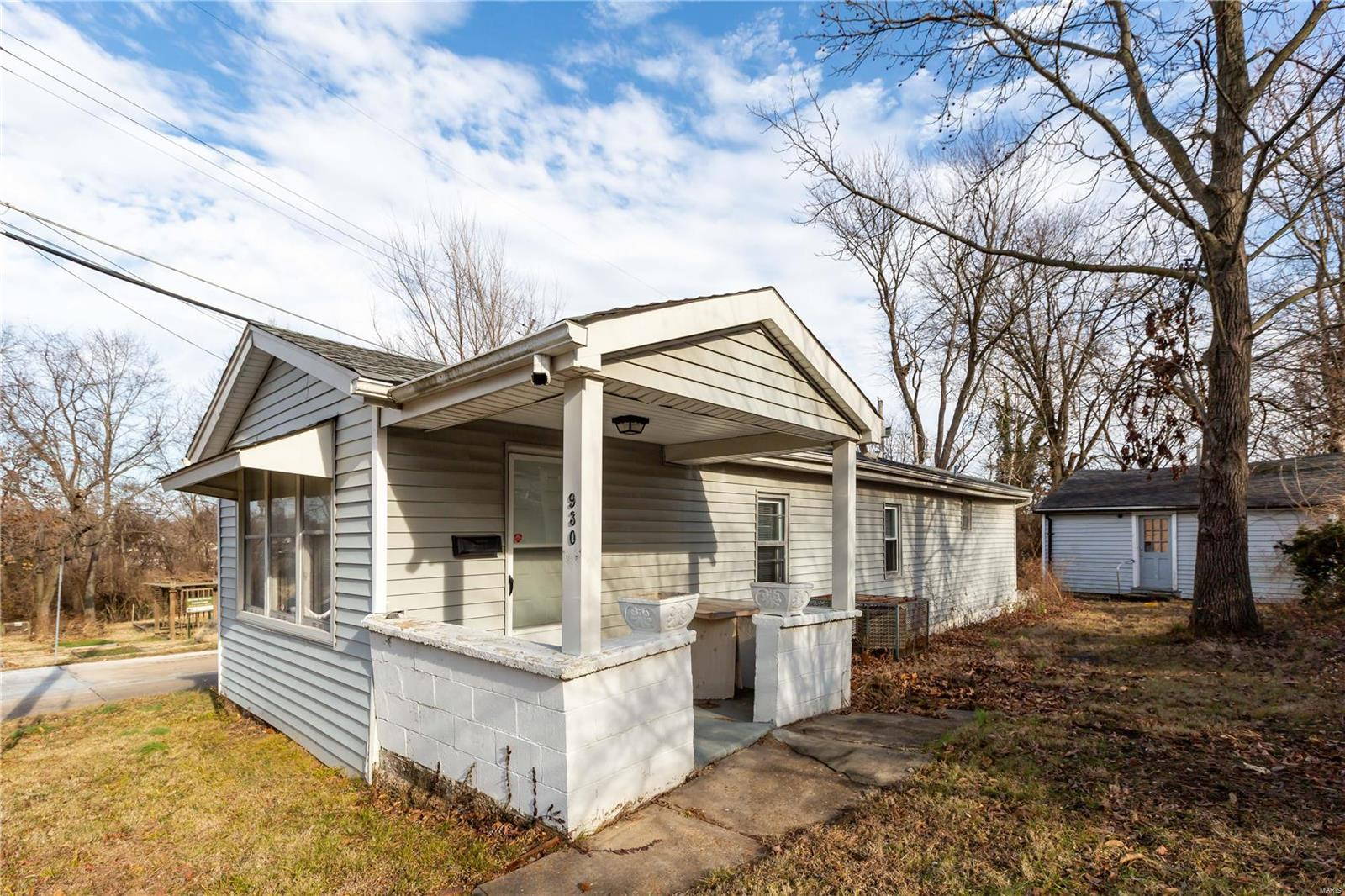 930 Cornell Avenue Property Photo - Webster Groves, MO real estate listing