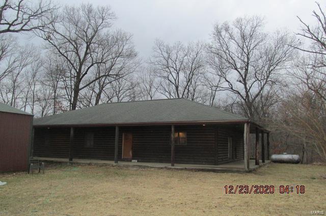 57 Elliott Lane Property Photo - Hillsboro, IL real estate listing
