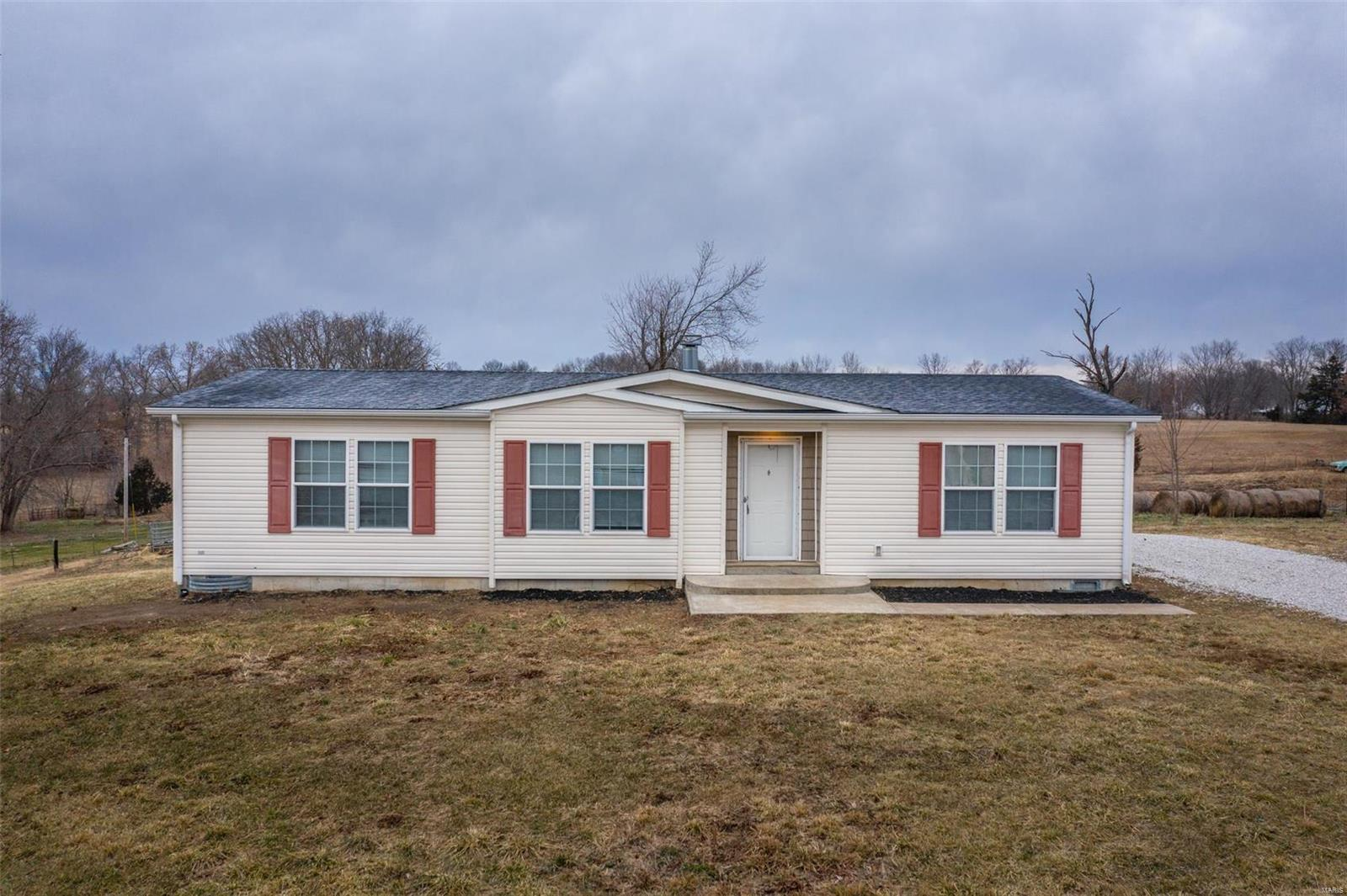 216 Washington Street Property Photo - Eolia, MO real estate listing