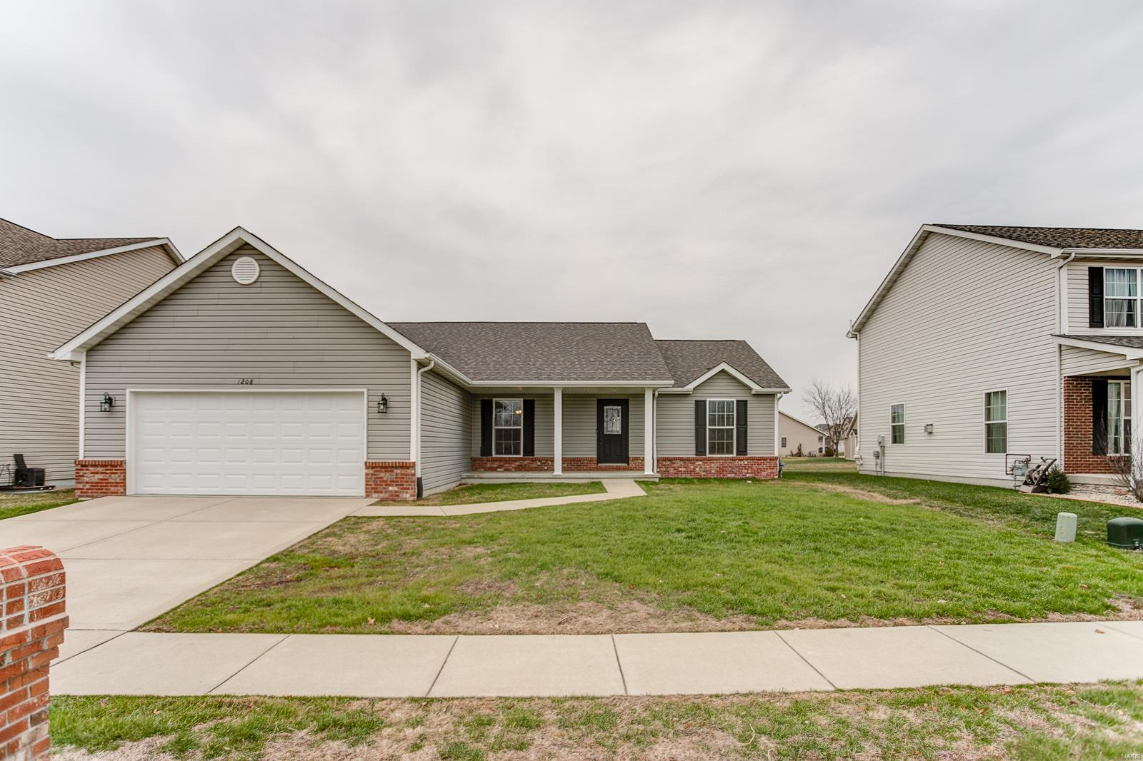 1208 Gulfstream Way Property Photo - Mascoutah, IL real estate listing