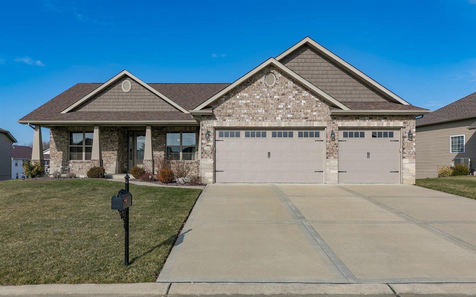 141 Stonebridge Bluff Drive Property Photo - Maryville, IL real estate listing