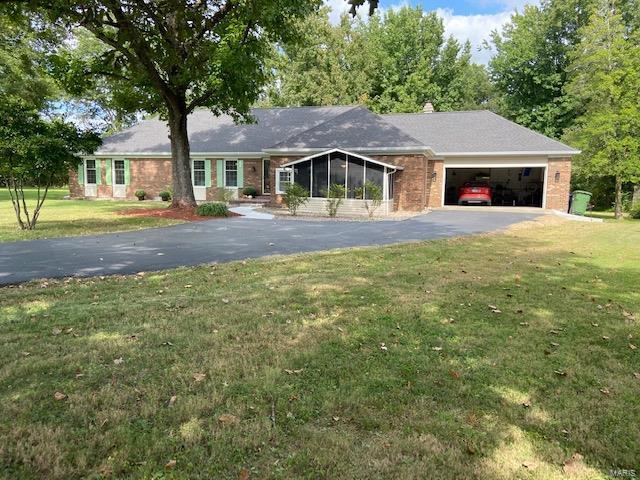 1100 Mockingbird Property Photo - Carterville, IL real estate listing