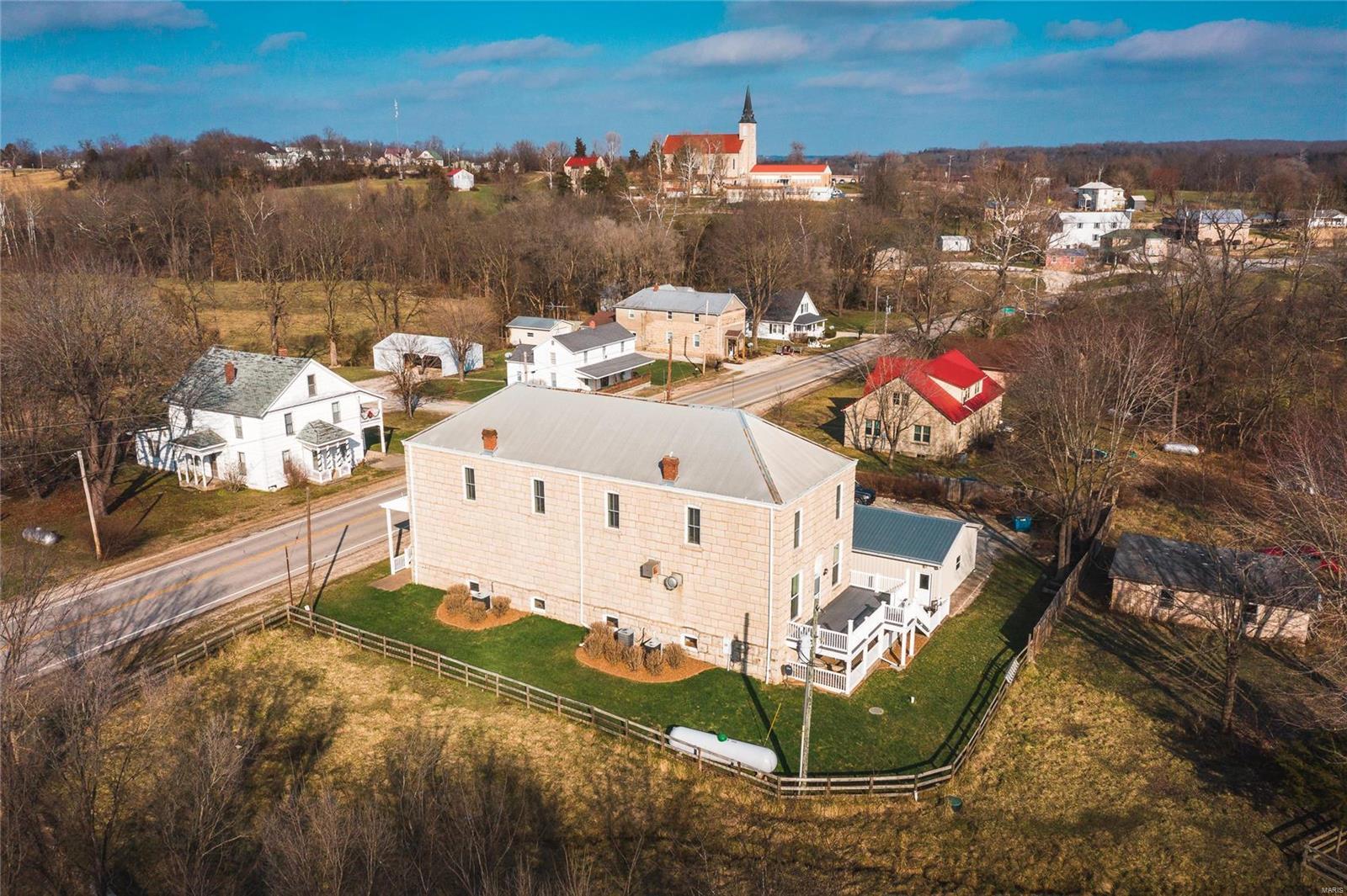 1704 Highway E Property Photo - Freeburg, MO real estate listing