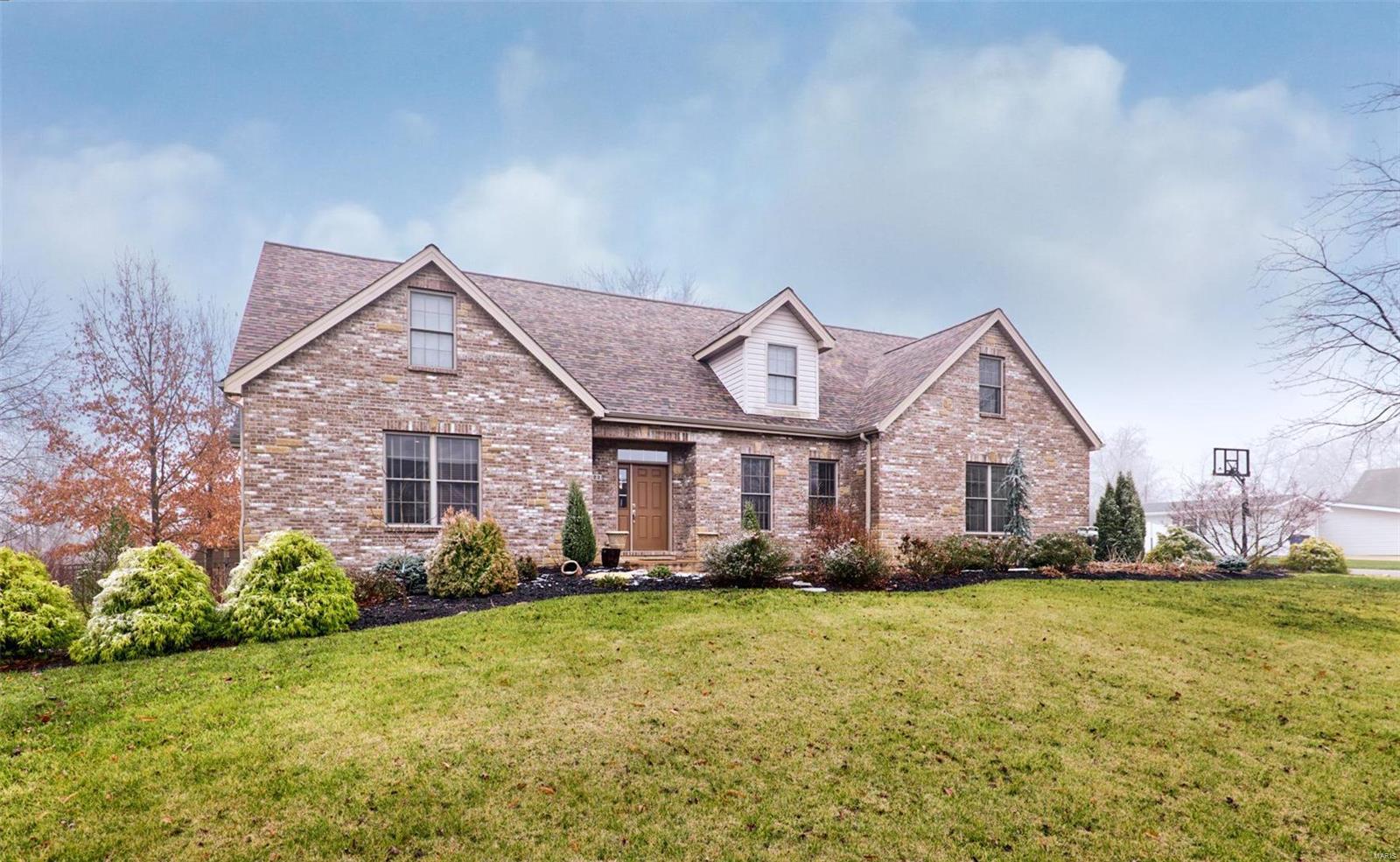 822 Nancy Lane Property Photo - Weldon Spring, MO real estate listing