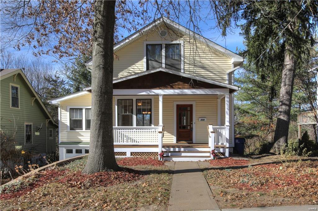 505 Oak Street Property Photo - Webster Groves, MO real estate listing