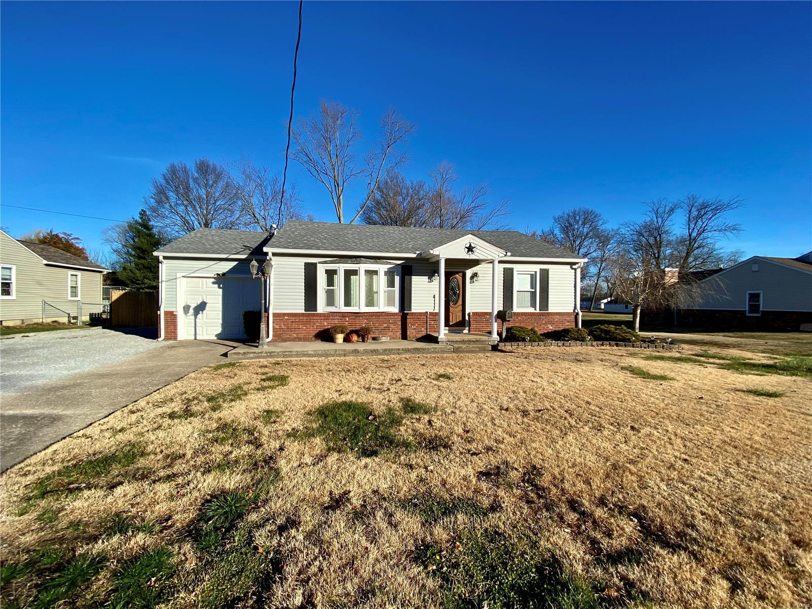 1706 W Copeland Street Property Photo - Marion, IL real estate listing