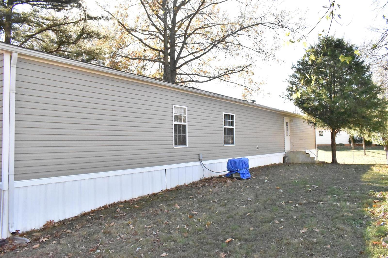 715 W Webster Street Property Photo - Benton, IL real estate listing