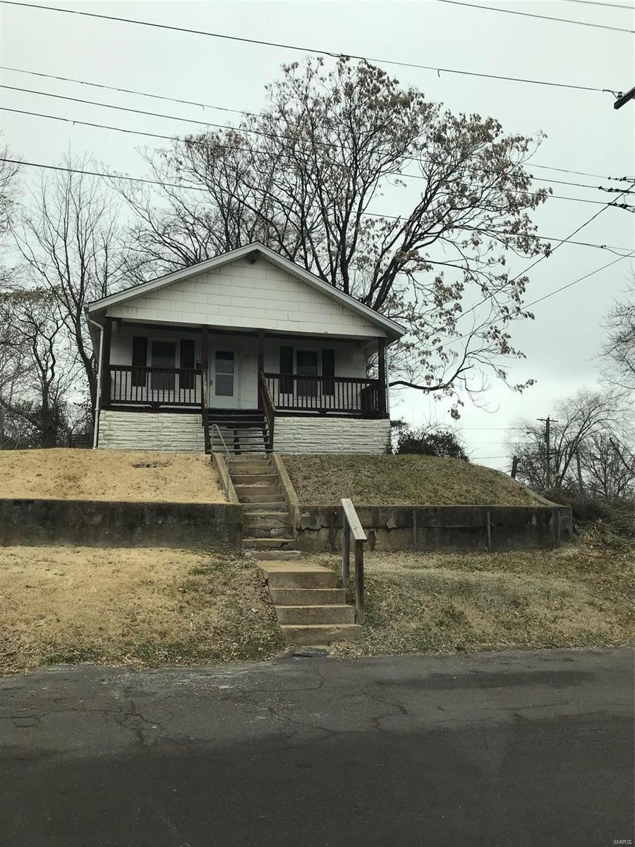 5663 Helen Avenue Property Photo - Jennings, MO real estate listing