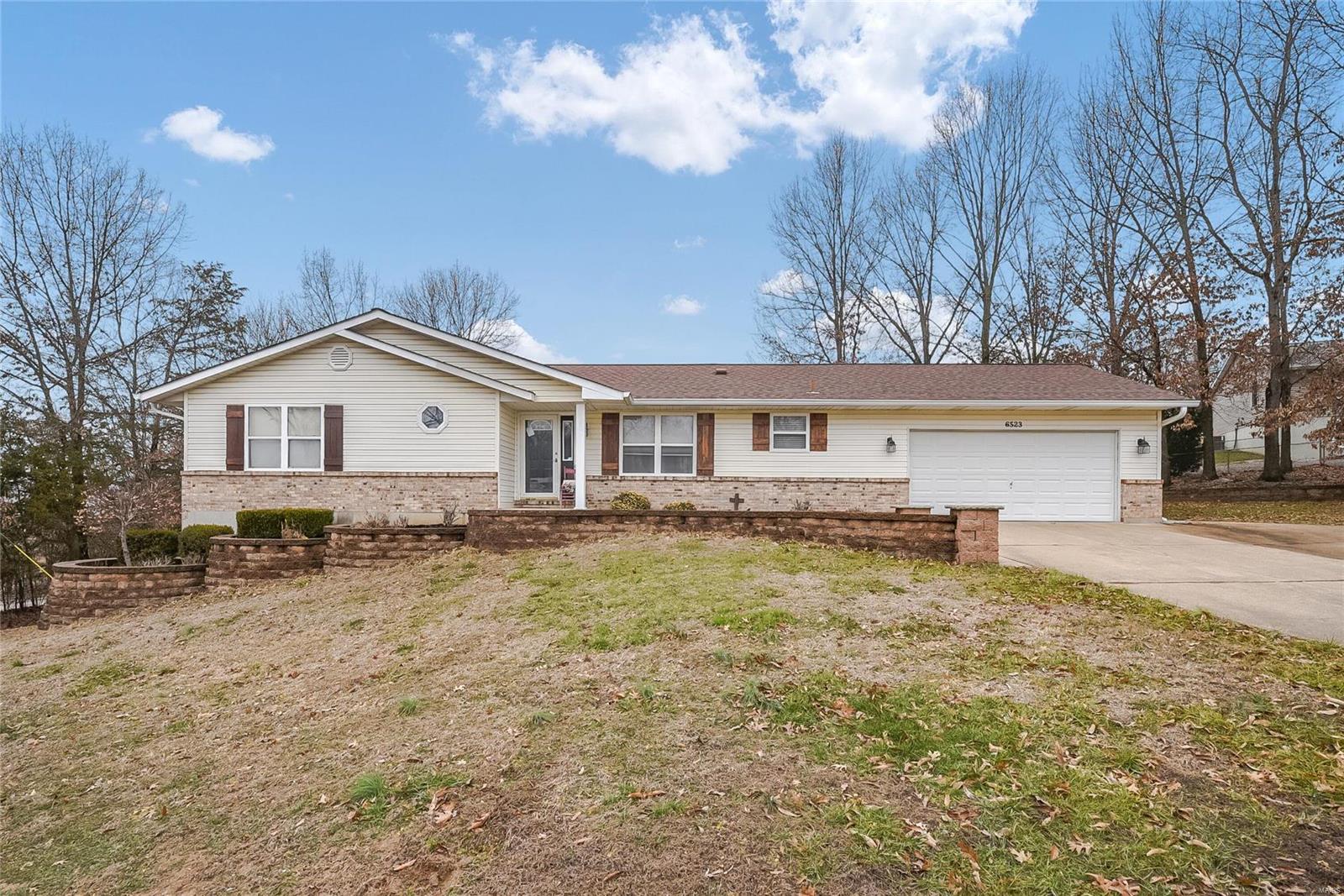 Barrington Oaks 02 Real Estate Listings Main Image