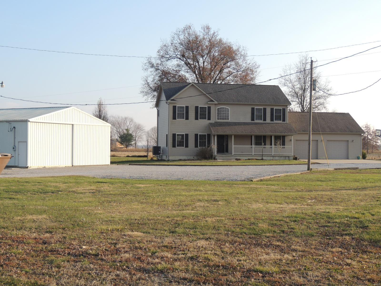 1520 Ayers Lane Property Photo - Greenville, IL real estate listing