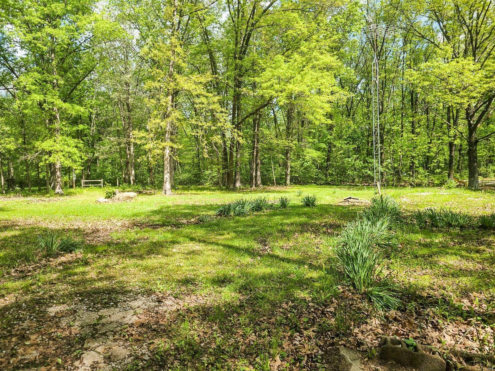21694 Forrest Drive Property Photo - Mount Olive, IL real estate listing
