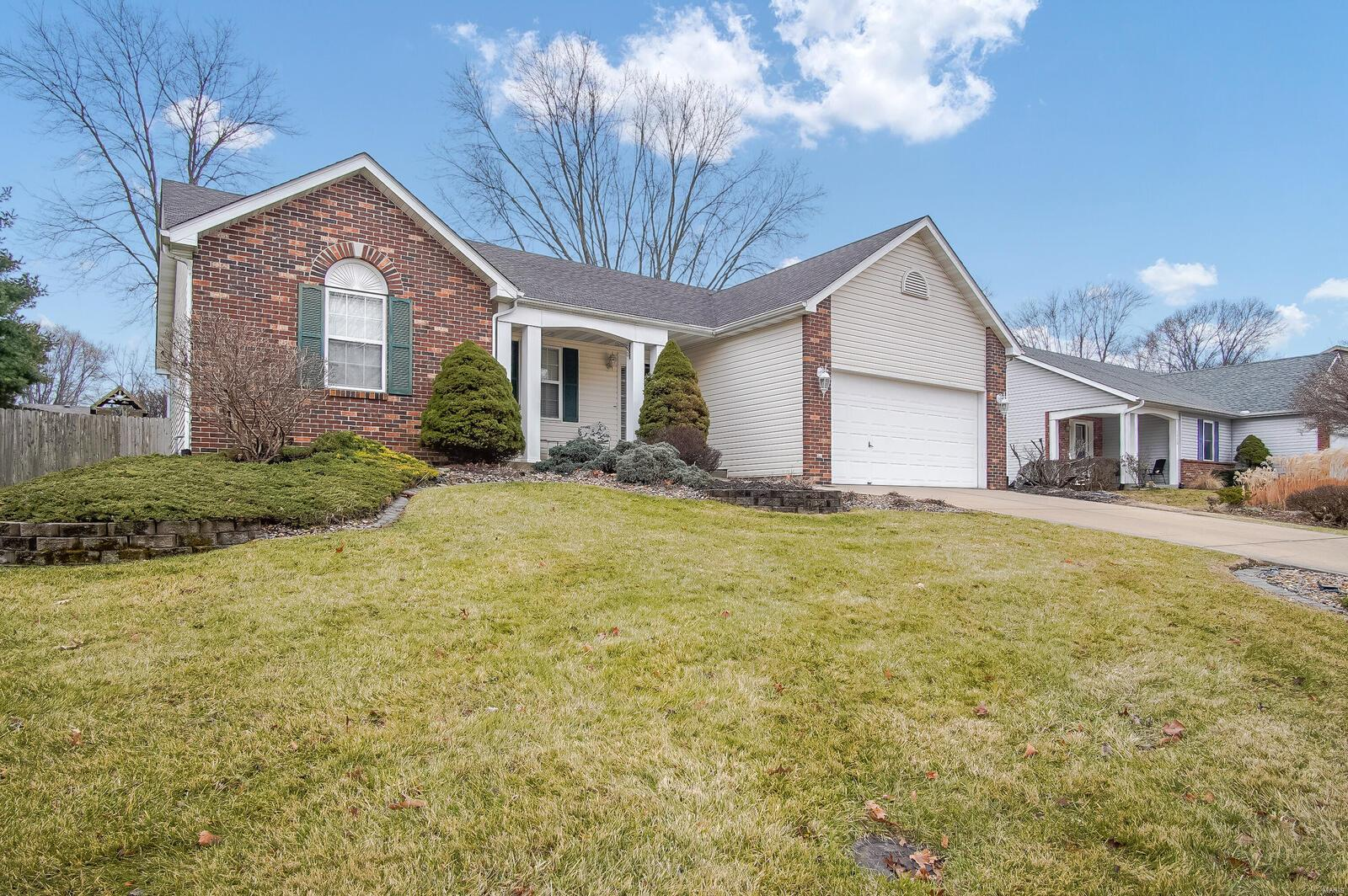 1030 Hickory Pt Property Photo - Collinsville, IL real estate listing