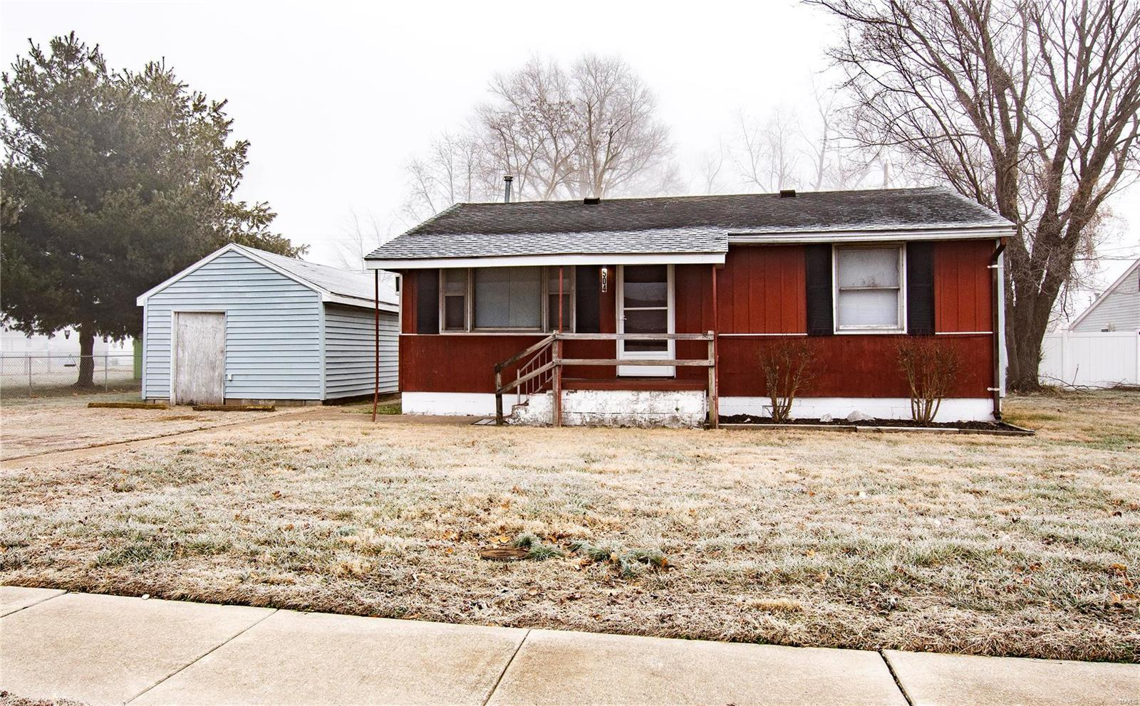 504 Sinclair Avenue Property Photo - South Roxana, IL real estate listing