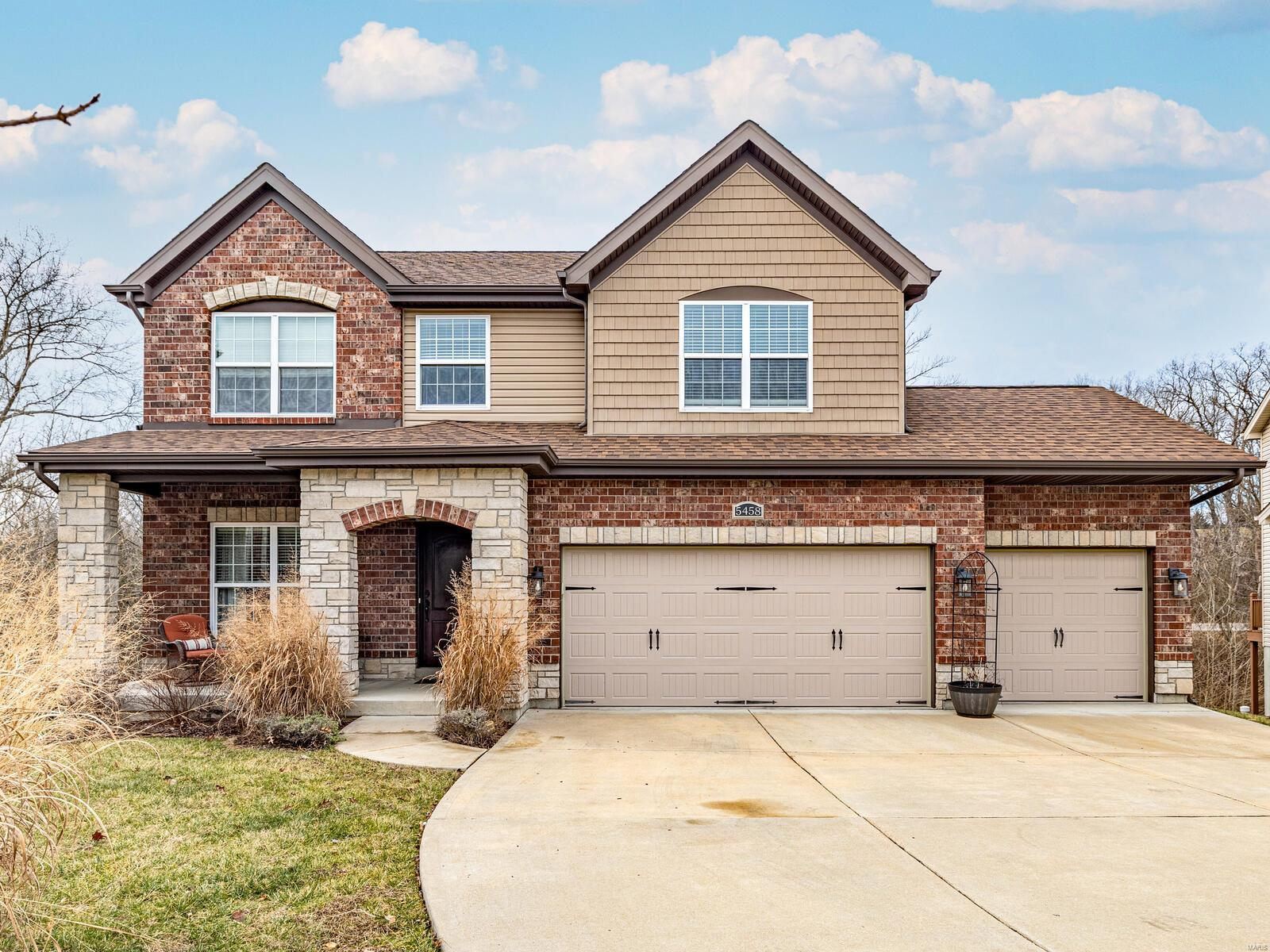 5458 Hagemann Pointe Drive Property Photo - Mehlville, MO real estate listing