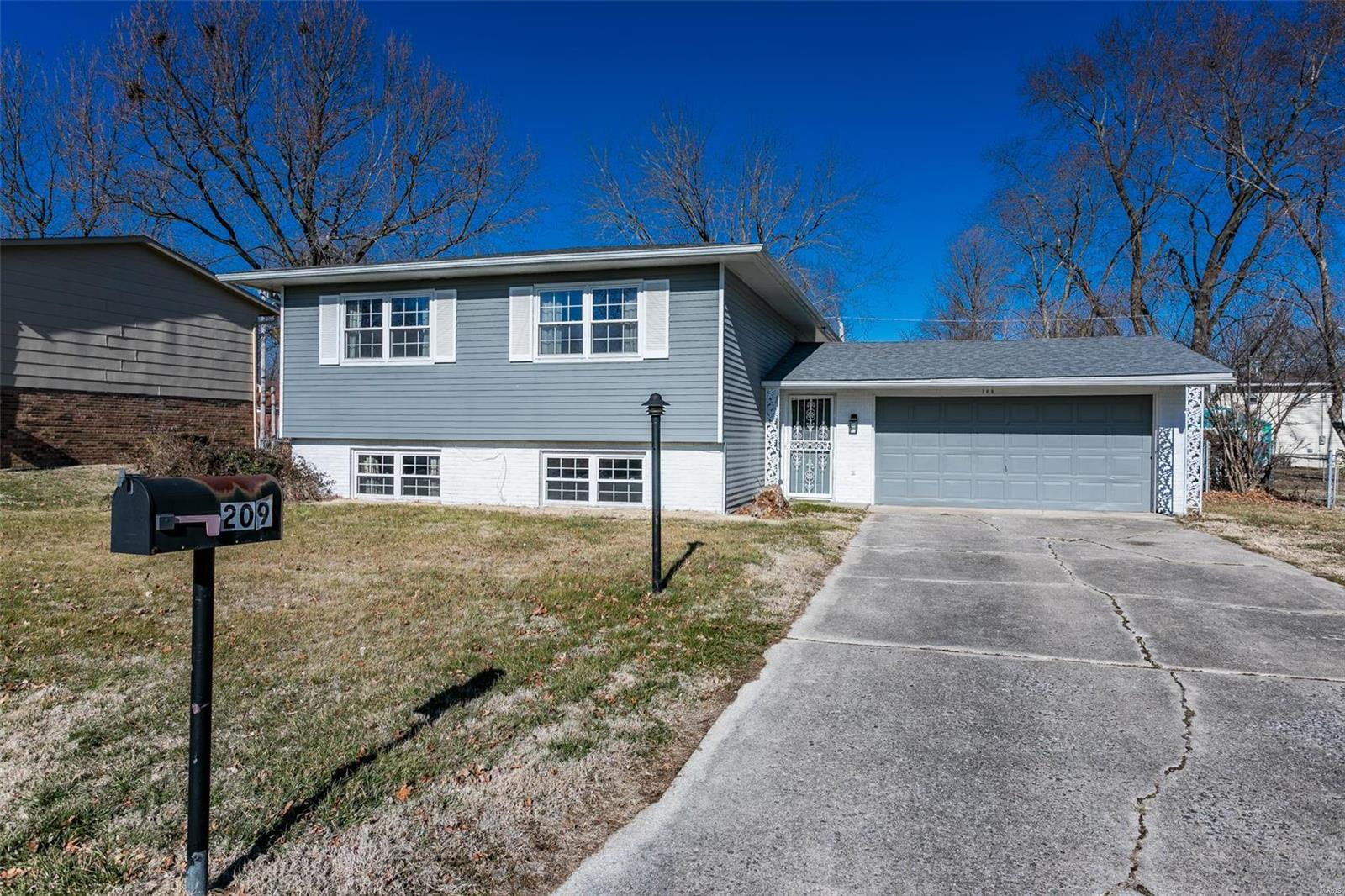 209 Saint Lo Drive Property Photo - Fairview Heights, IL real estate listing