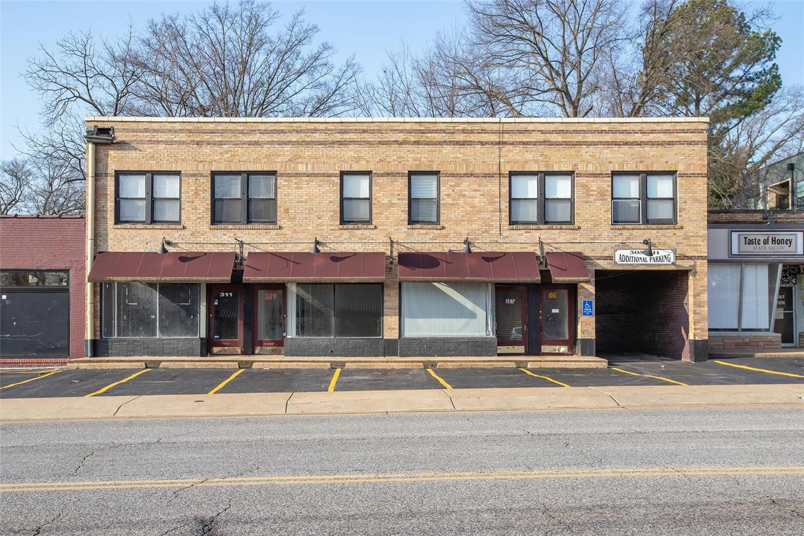 305 S Florissant Road Property Photo - St Louis, MO real estate listing