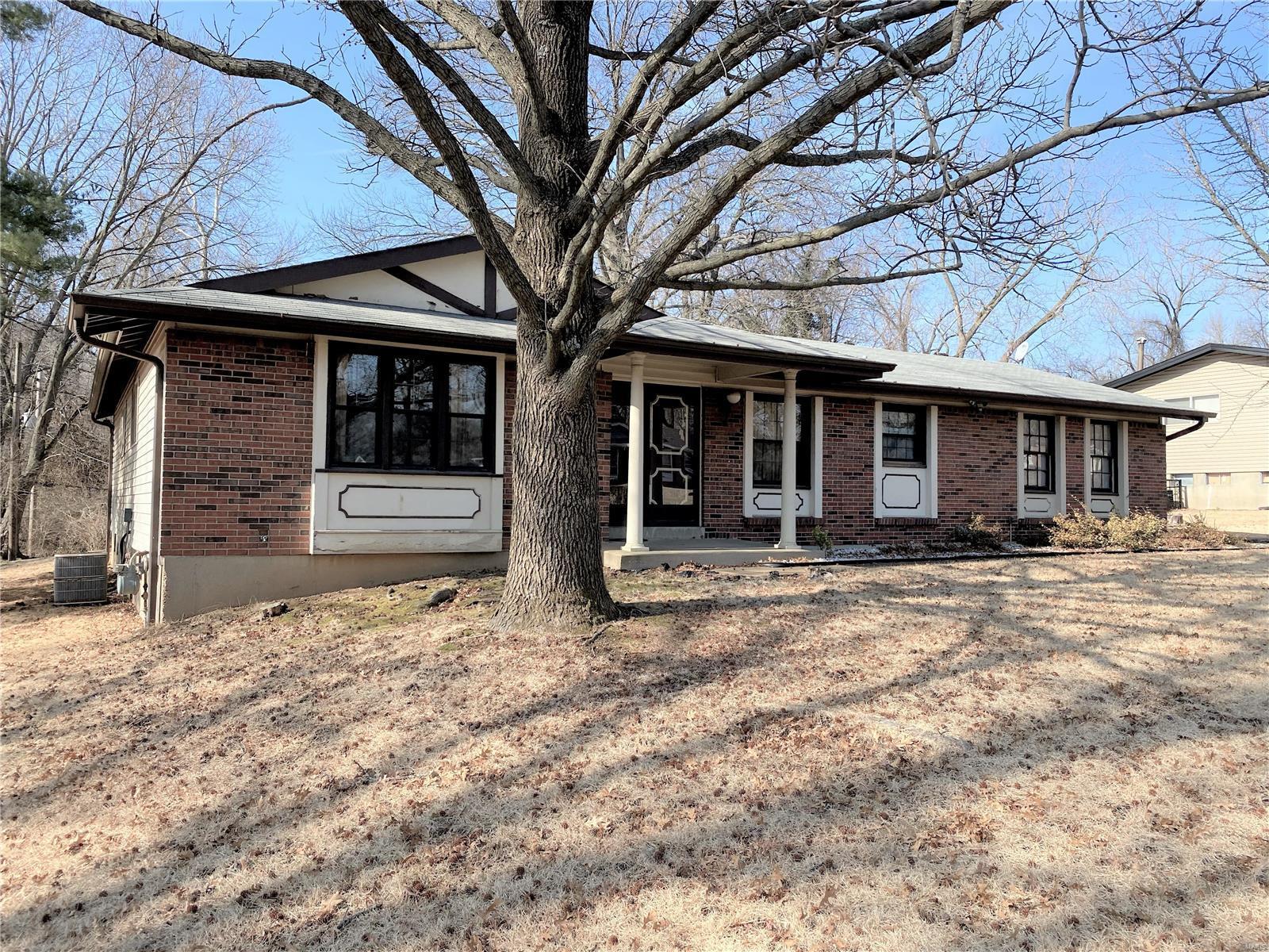 12195 Rollingsford Drive Property Photo - Black Jack, MO real estate listing