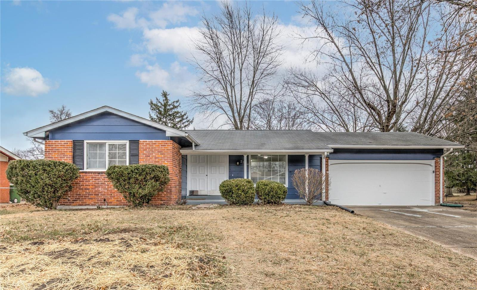 2810 Dover Drive Property Photo - Florissant, MO real estate listing