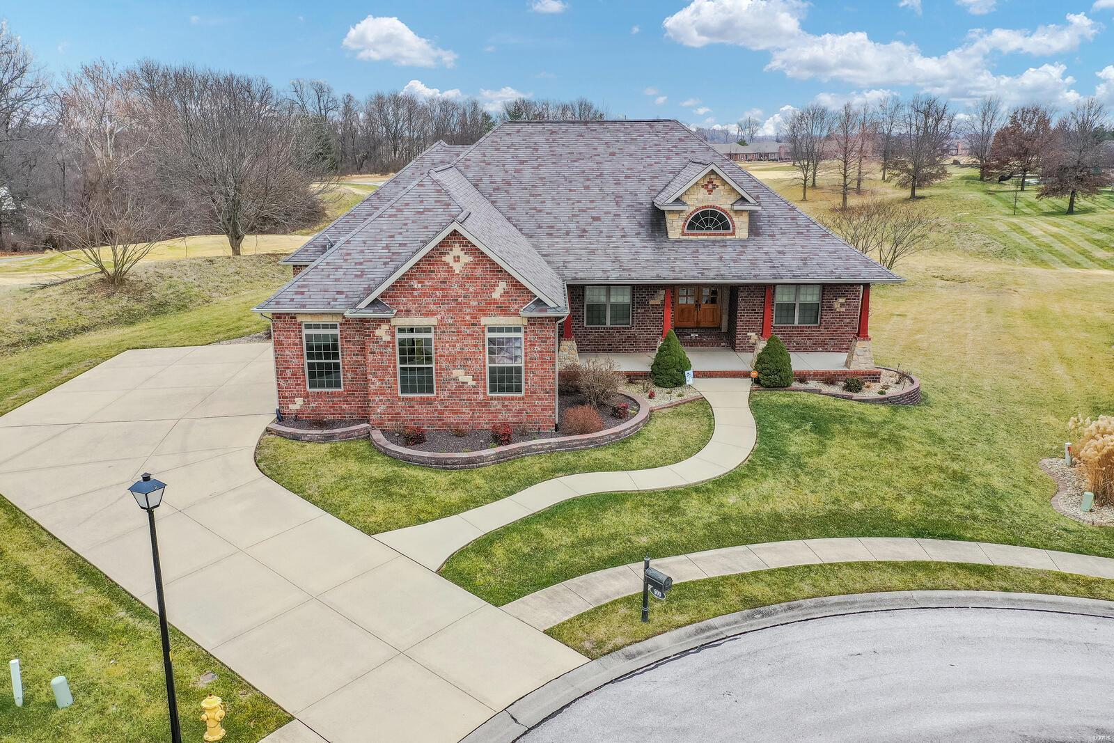 900 Spyglass Hill Property Photo - Caseyville, IL real estate listing