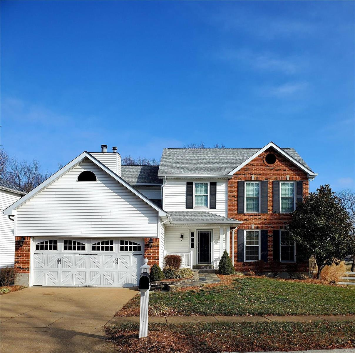 2827 Belle Terre Court Property Photo - St Louis, MO real estate listing