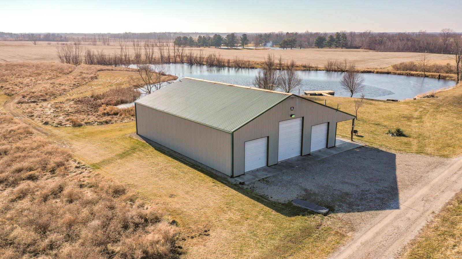 17503 Mcdow Road Property Photo - Dow, IL real estate listing
