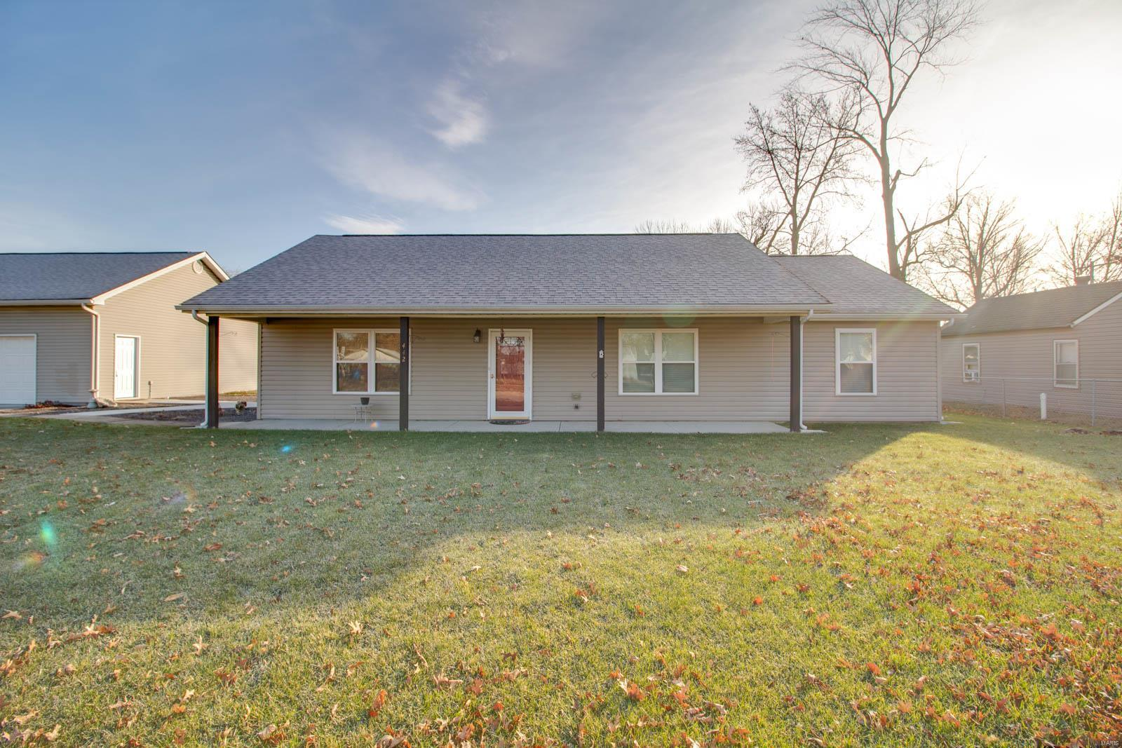 442 Sinclair Avenue Property Photo - South Roxana, IL real estate listing