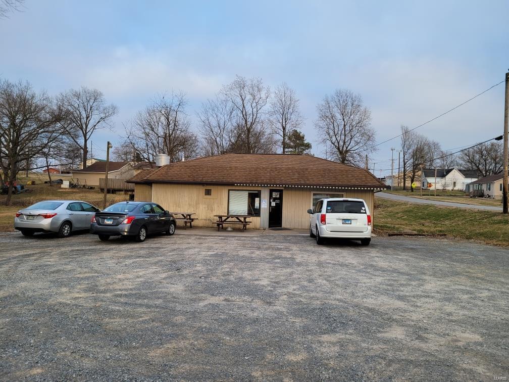 304 W Collins Avenue Property Photo - Goreville, IL real estate listing