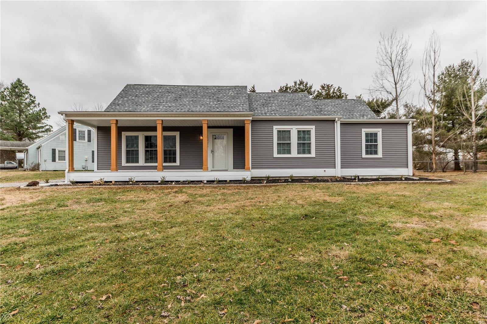 1301 Charles S Property Photo - Carterville, IL real estate listing