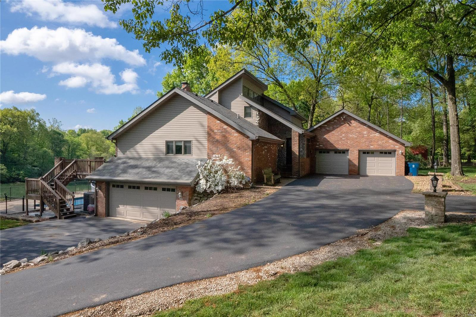1519 Laketop Drive Property Photo - Fairview Heights, IL real estate listing