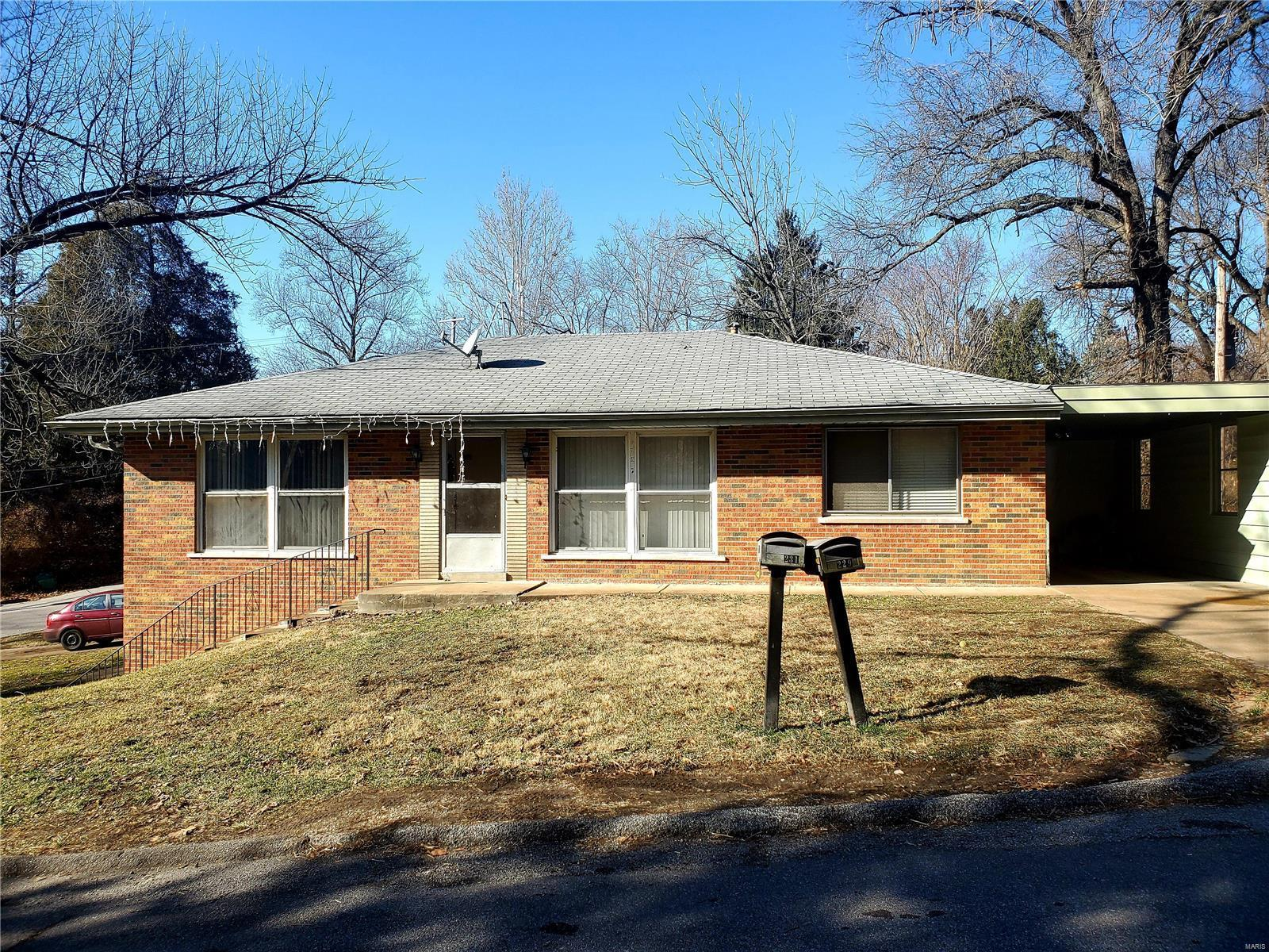 229 Crown Drive Property Photo - St Louis, MO real estate listing