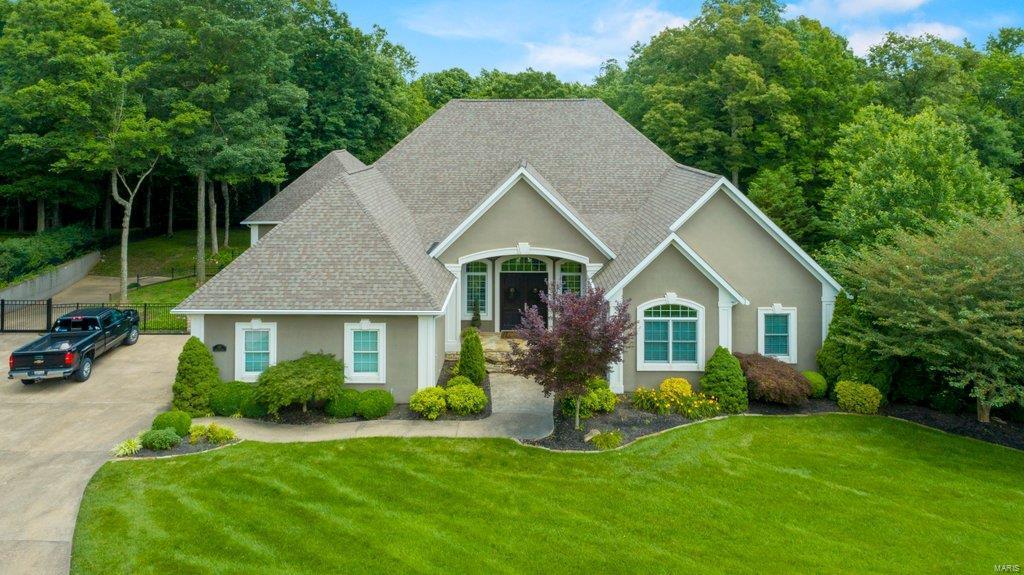 425 Windwood Lake Drive Property Photo 1