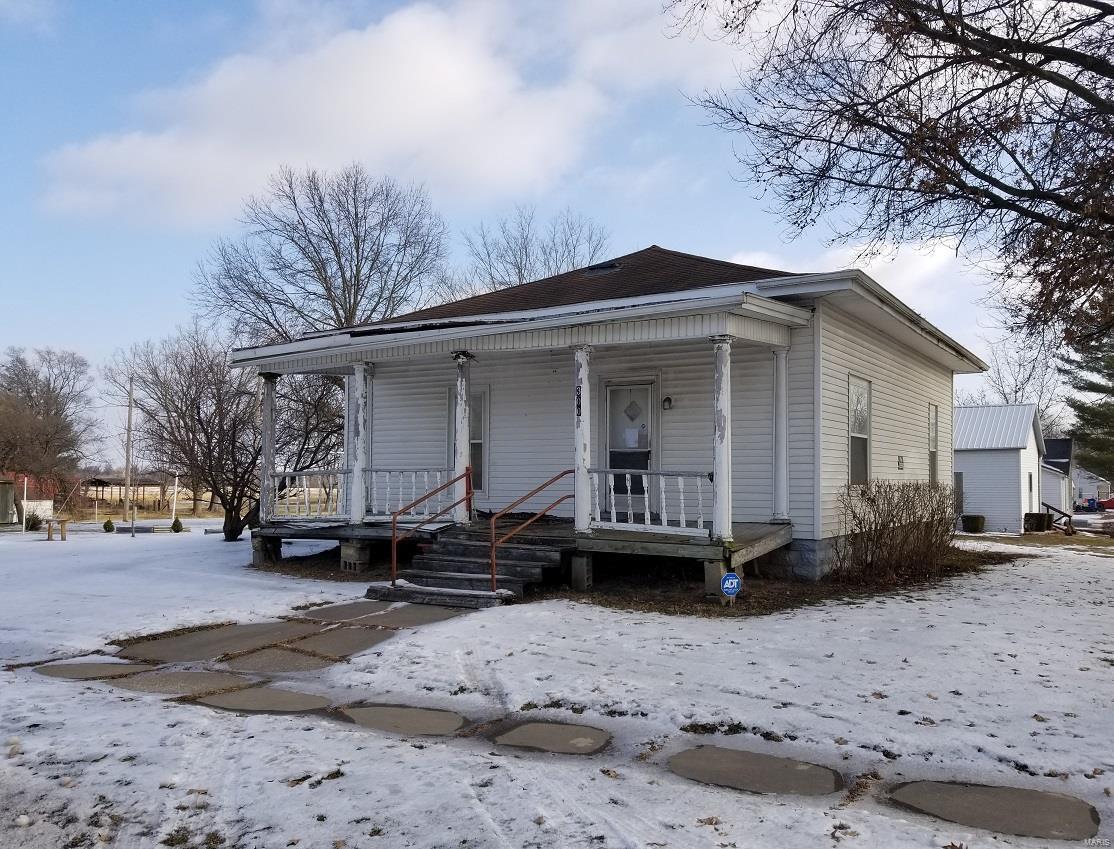 300 N 4th Street Property Photo - La Belle, MO real estate listing