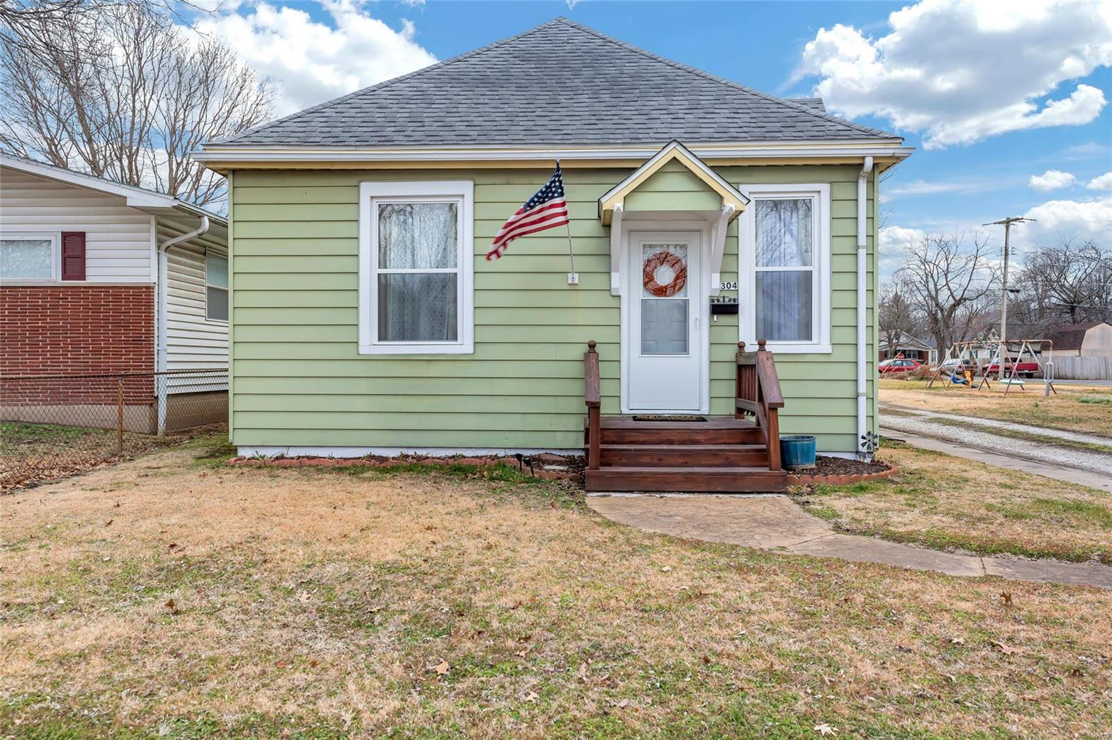 304 N 3rd Street Property Photo - Dupo, IL real estate listing