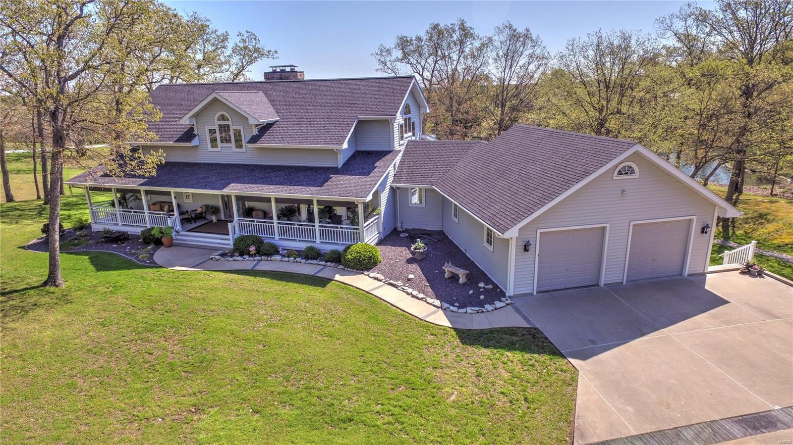 1418 Sycamore Lake Drive Property Photo - Foristell, MO real estate listing